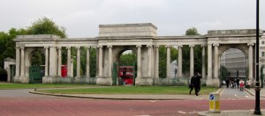 grande entrace of hyde park